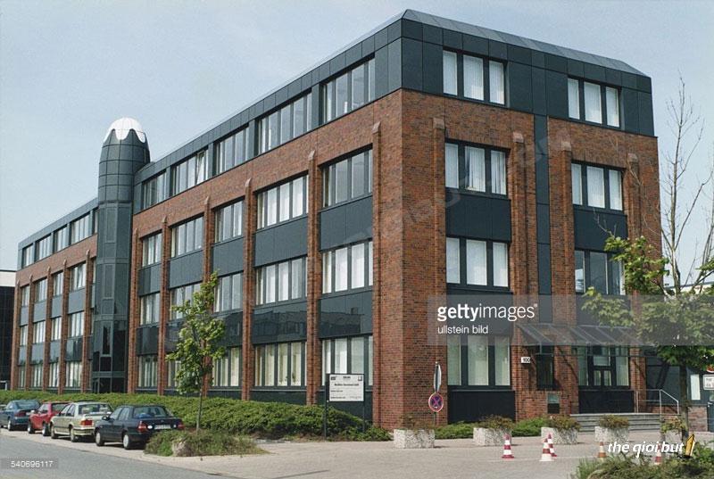 Nha-may-san-xuat-but-Montblanc---Montblanc-Hamburg-Factory1